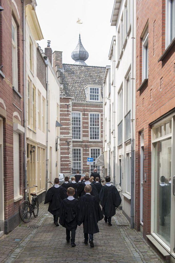 Gorcum Boys Choir op weg naar het concert